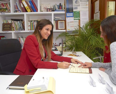 Recepción - III Language Schools Nueva Andalucía